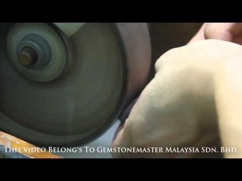 Gemstone cutting & Polishing Agate