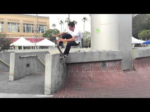 Elijah Berle insane rock to fakie