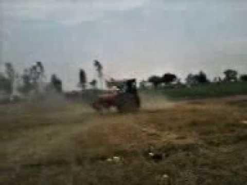 Tractor Stunt Mahindra Soosa Da Mela video