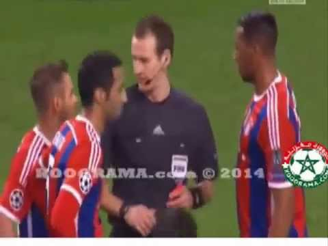 Man City vs Bayern Munich Mehdi Benatia Red Card 25 11 2014
