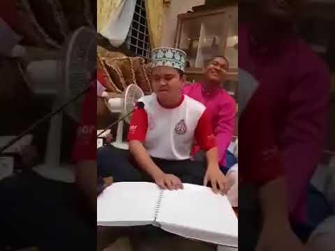 شاب كفيف يقلد الشيخ مصطفي اسماعيل بمنتهي الروعة