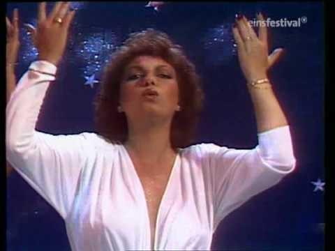 Очень популярное в 80-х трио исполняющее диско-музыку a la carte со своим бесспорным хитом ring me, honey 1980 года