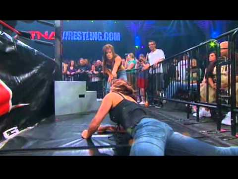 Madison Rayne vs Sarita