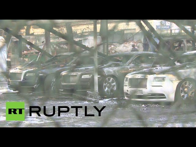 Luxury CARnage!! 8 Rolls Royce & Bentleys, Ferrarri, Porsche, G-Wagen torched in Moscow