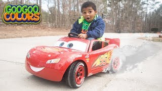 Goo Goo Gaga Unboxing LIGHTNING MCQUEEN Power Wheels ride on Cars! Learn Colors with Goo Goo Colors