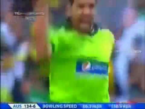 Umar Gul Yorker vs Australia 2010