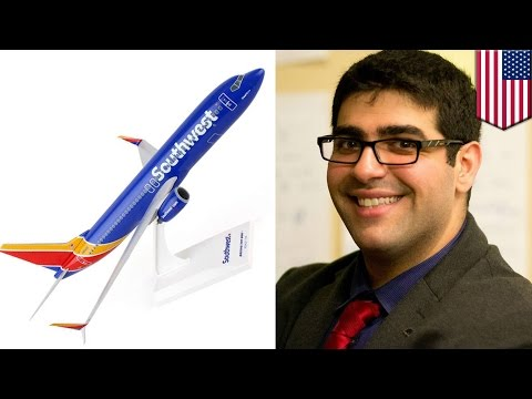 Muslim kicked off plane: Arabic-speaking student removed from Southwest Airlines flight - TomoNews