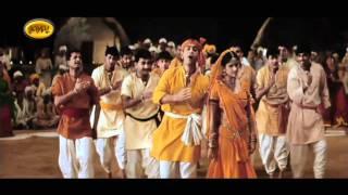 download lagu Asha Bhosle,udit Narayan,chorus - Radha Kaisay Na Jalay - gratis