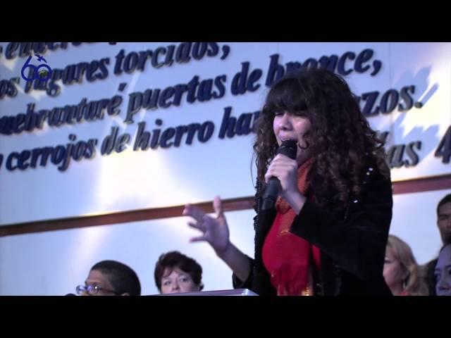 """Especial Musical """"Mi Redentor vive"""". María Núñez. Culto 11-01-15"""