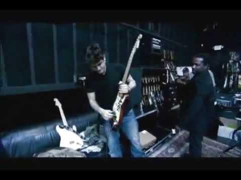 John Mayer - Where the Light Is Bonus Interview: 200 Guitars