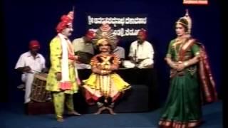 Yakshagana-Subramanya Dhareshwar & Ramesh Bhandari..Comedy  .MPG