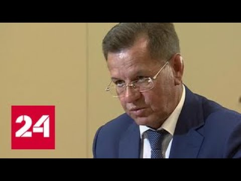 Путин вручил Жилкину папку с жалобами астраханцев