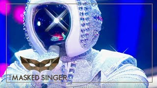 Space Oddity- David Bowie | Astronaut Performance | The Masked Singer | ProSieben