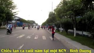 CÔNG NHÂN    KCN   BÌNH  DƯƠNG  VỀ  QUÊ  ĂN TẾT  2014
