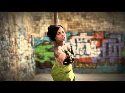 Monica Pereira - Continuo cantando