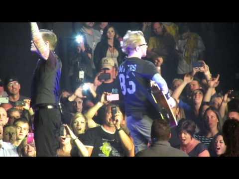 Shinedown - Acoustic Medley &amp; Simple Man 3/9/13 Orlando