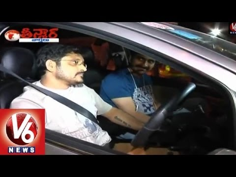 Raviteja And His Friend Caught in drunk and drive - Teenmaar...