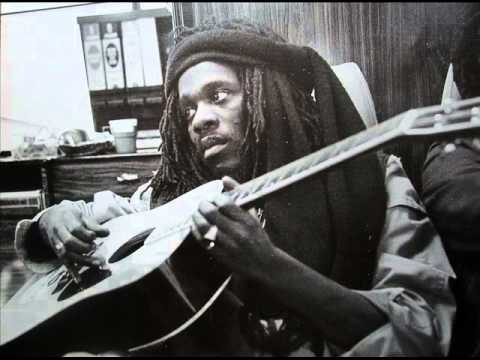 Dennis Brown - There's No Love And Understanding