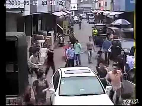 Asian Purse Snatch Goes Wrong