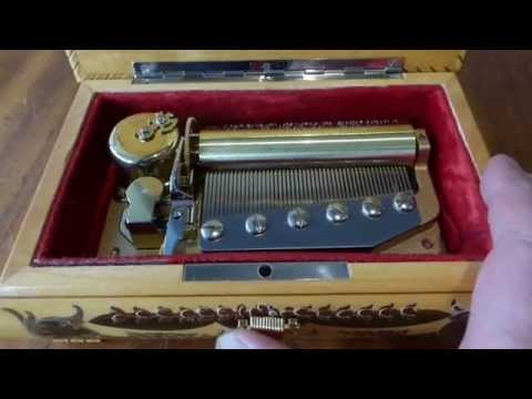 A 50 NOTE SANKYO ORPHEUS CYLINDER MUSICAL MOVEMENT FITTED IN A SORRENTO INLAID BOX