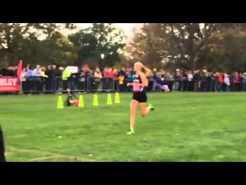 WMU cross country freshman Maria McDaniel wins the Bradley Classic