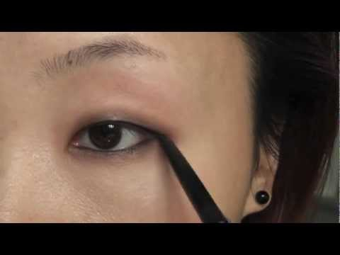 Tutorial: Quick & Soft Smokey Eye Using MAC Paint Pot For Monolids