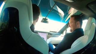 Car Enthusiast drive Tesla Model X 90D for the first time