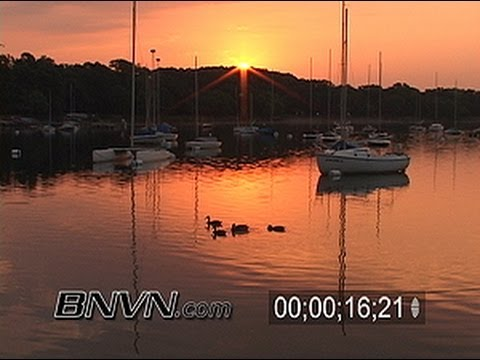 7/16/2005 Video of people enjoying a perfect morning in Minneapolis