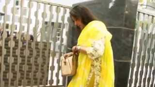 Hema Malini With Daughters Come Out Of House | Casting Vote | Vidhan Sabha Elections