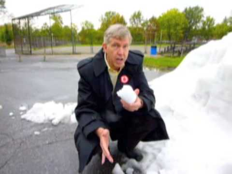 David Hanna explains why our snow clearance has collapsed under the Tremblay-Applebaum administration. Visit http://www.davidhanna.ca.