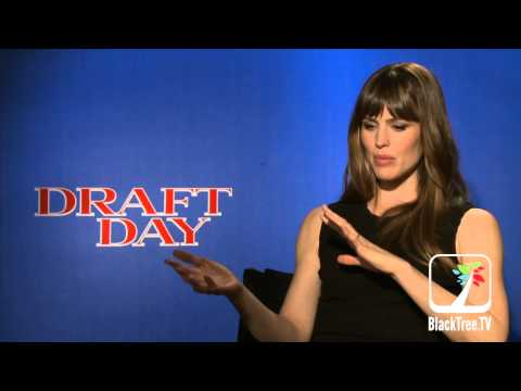 DRAFT DAY interview with Jennifer Garner