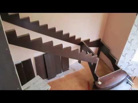 Видео установки деревянной лестницы