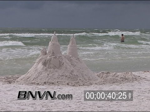 11/21/2005 Blustery day at the beach video