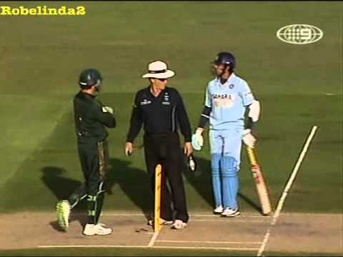 Just laugh at this India vs Australia hilarious cricket moment