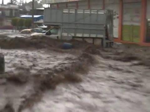Inundacion Ecatepec Hank Gonzalez 30 Oct 09