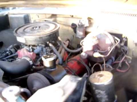 345 V-8 International Harvester Engine -Running