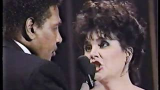 Linda Ronstadt Aaron Neville Don 39 T Know Much Live 1990