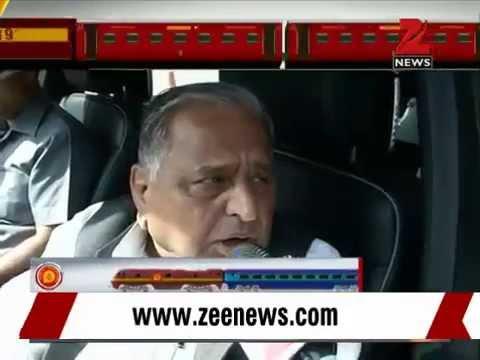 SP chief Mulayam Singh Yadav praises Railway Budget