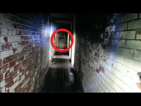 Exploring Haunted War Mansion in Bosnia!! (CREEPY ACTIVITY!!)