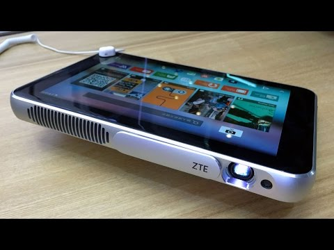 ZTE Spro Plus на MWC: проектор со встроенным планшетом