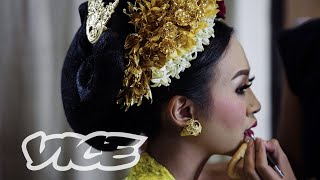 Grinding Teeth: The Wild Indonesian Coming Of Age Ritual