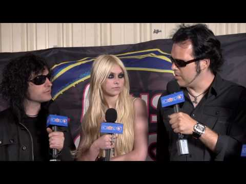 Taylor Momsen & The Pretty Reckless Interview: Vans Warped Tour 2010 Music Videos