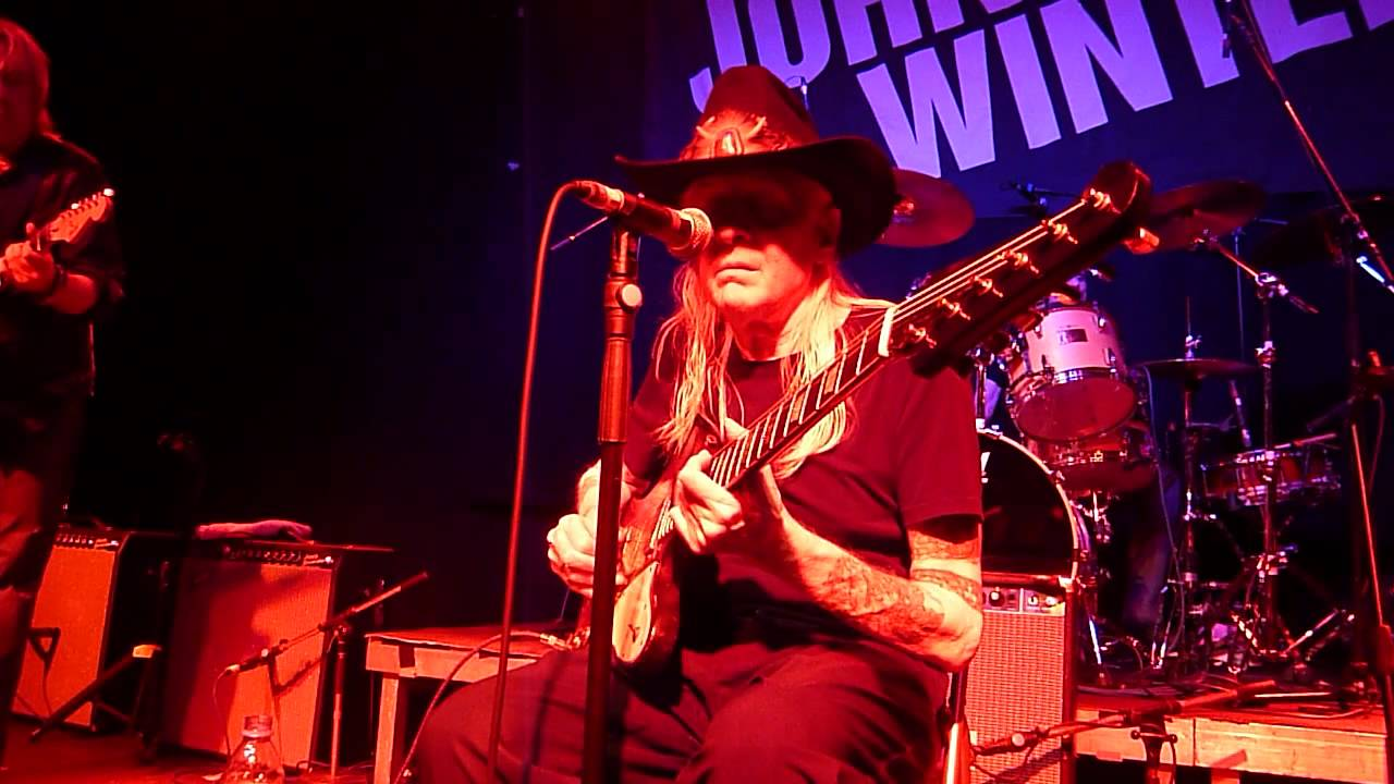 how to play johnny winter highway 61