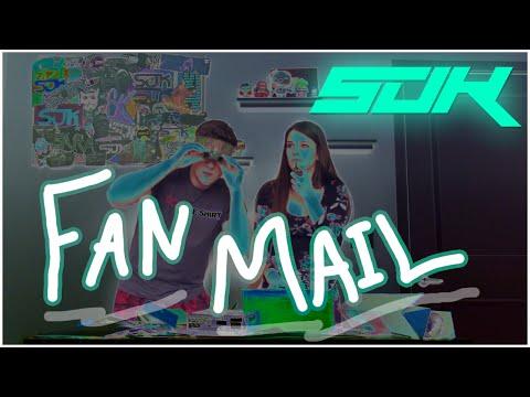 Fan Mail #7 (custom Knife!) video