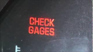 porque aparece este aviso check gages en el tablero de mi carro