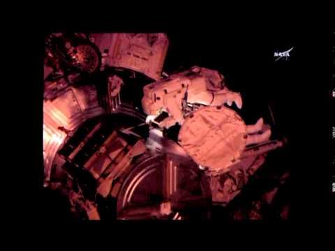 3198WD IN SPACE-SPACEWALK