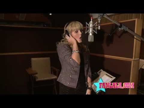 Fanlala First Look with Ashlee Keating