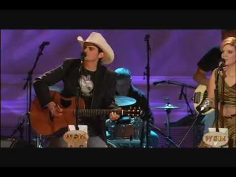 Brad Paisley Alison Krauss   Whiskey Lullaby Live video