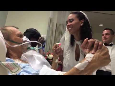 Lisa Wilson celebró boda en cuarto de hospital junto a su padre enfermo. (Video: YouTube/boxsoy)