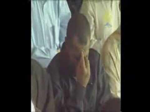 Surah Al Haqa - Very Emotional Quran video